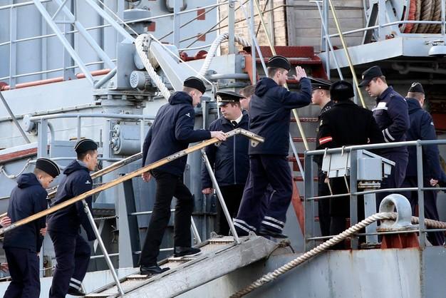 Rosyjscy marynarze odpłynęli bez Mistrala