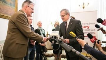 08-05-2016 19:09 Leśniczy dostał 50 tys. od ministra. Za monety warte 400 tys.