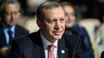 02-12-2015 22:08 Erdogan: Turcja podejmie kroki, jeśli Rosja nie zaniecha oszczerstw. Ławrow: przedstawimy fakty
