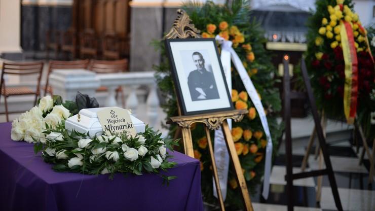 """Uroczystości pogrzebowe Wojciecha Młynarskiego. """"Pokazywał, że można iść swoją drogą z podniesionym czołem"""""""