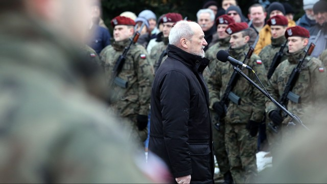 Macierewicz: śmigłowce kupimy szybciej, taniej i lepiej spełniając wymagania wojska