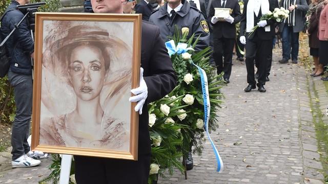 Kraków: bliscy, artyści i fani pożegnali Annę Szałapak