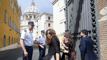 04-07-2016 19:29 Wyciek tajnych dokumentów z Watykanu. Prokuratorzy wnioskują o cztery wyroki skazujące