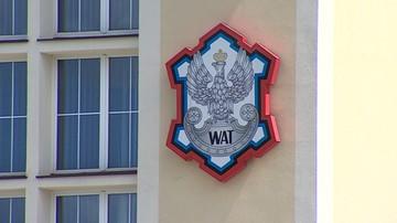 09-06-2016 11:07 Osiem osób z zarzutami wyłudzeń na szkodę WAT