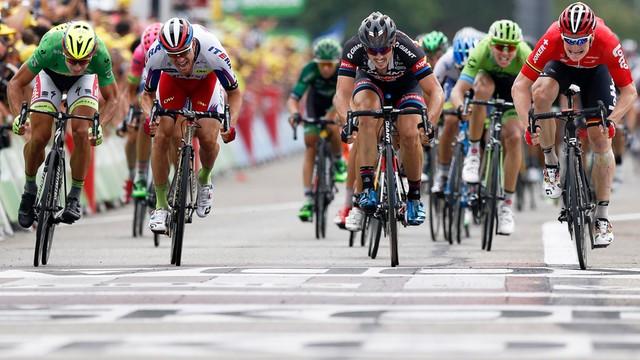 Tour de France: Greipel wygrał etap, Froome liderem