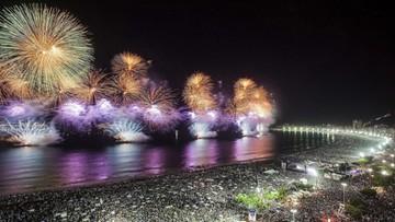Pokazy samby i przesłanie od syryjskich uchodźców. 2 mln ludzi witały nowy rok na Copacabanie