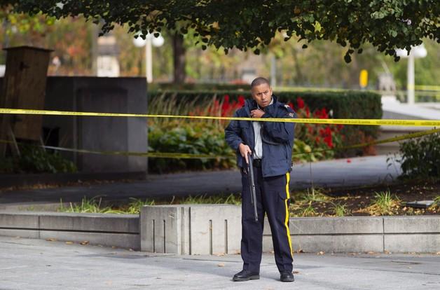 Kanada: strzelanina w parlamencie, domniemany napastnik zabity