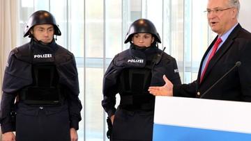 29-11-2015 14:10 Nowe szturmowe mundury niemieckiej policji. Internet się śmieje