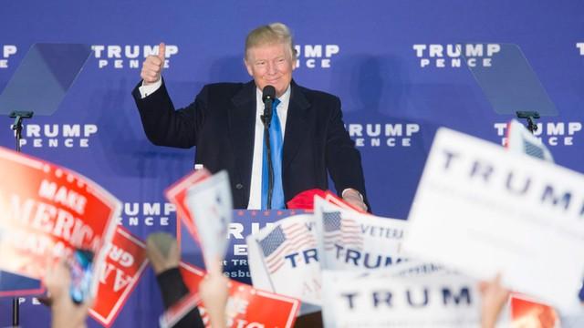 Niezmordowany Donald Trump wielbiony do końca przez swoich fanów