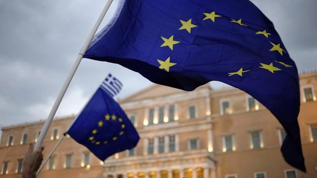 MFW: Grecja potrzebuje przedłużenia pakietu pomocowego, redukcji długu