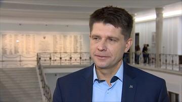 Petru: Polska powinna przyjmować uchodźców