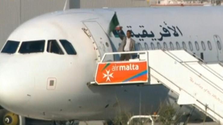 Porywacze libijskiego samolotu poddali się. Mieli atrapy broni