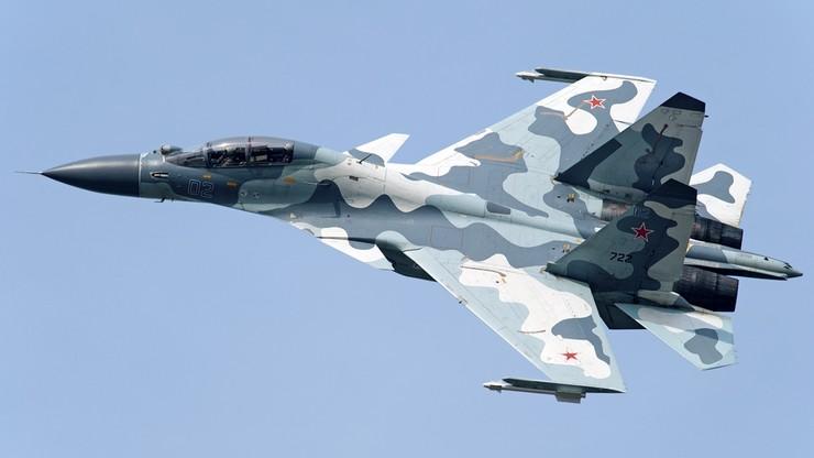 Rosyjski myśliwiec niebezpiecznie blisko amerykańskiego samolotu. Lecieli tak przez 5 minut