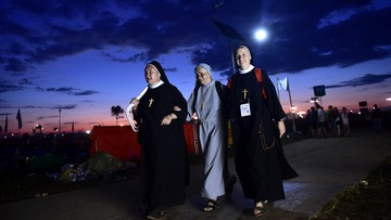 31-07-2016 06:23 Brzegi: nocne oczekiwanie na kolejne spotkanie z Franciszkiem