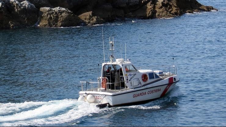 Akcja włoskiej straży przybrzeżnej. Uratowanych ponad 800 migrantów, w tym wielu Syryjczyków
