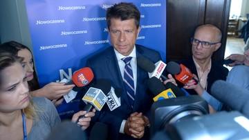"""03-07-2017 15:41 """"Nikt tyle nie da, ile Morawiecki obieca"""". Petru o zapowiedziach Morawieckiego"""