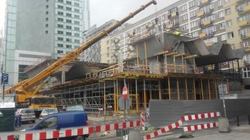 2017-02-06 Demontaż pawilonu Emilia w Warszawie. W tym miejscu stanie ponad dwustumetrowy wieżowiec