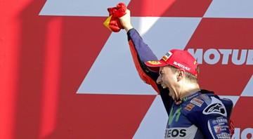 2015-11-09 Lorenzo mistrzem MotoGP, Rossi wściekły na Marqueza