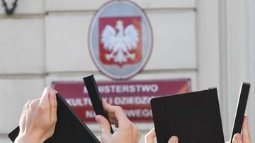 """17-10-2017 16:03 """"Przyczyną odwołania dyrektor PISF naruszenie przepisów prawa"""". Gliński w liście do Wima Wendersa"""