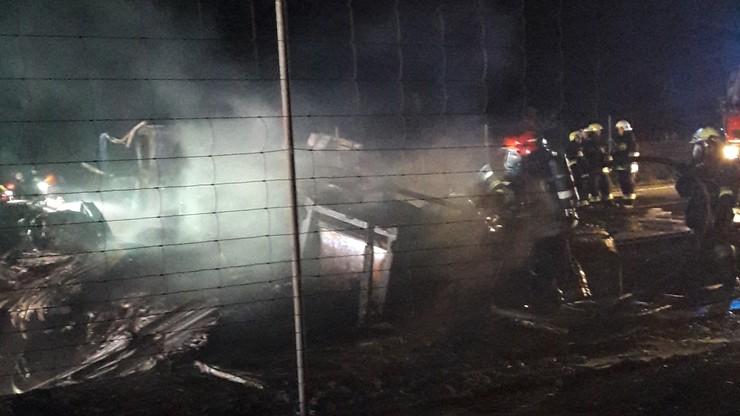 2016-08-17 Wypadek we wsi Jabłońskie na trasie nr 8 (Podlaskie). W zderzeniu dwóch tirów zginęli dwaj kierowcy