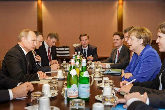 Putin przyleciał do Mediolanu na szczyt Azja-Europa