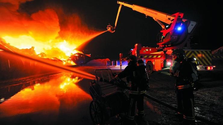 Pożar na kempingu Le Signol na francuskiej wyspie Oleron. Ok. 1500 turystów ewakuowano