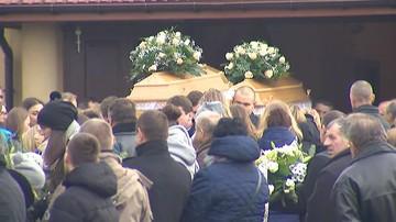 Pogrzeb Ani i Dominiki z Tryńczy, które w Boże Narodzenie wpadły autem do rzeki i utonęły