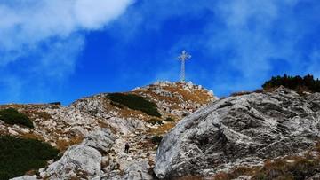 03-04-2016 09:10 Giewont znów rozbłysnął w rocznicę śmierci Jana Pawła II