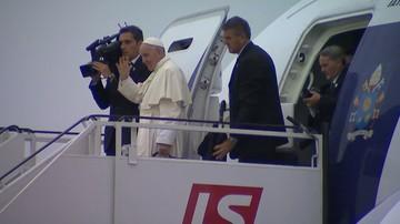 31-07-2016 22:11 Papież Franciszek zakończył wizytę w Polsce. Już jest w Rzymie