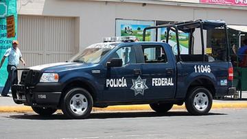 """18-10-2016 07:13 Meksyk: sześć osób z odciętymi dłońmi. Na twarzach napisy """"jestem złodziejem"""""""