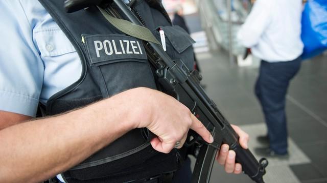 Niemcy: 180 osób podejrzanych o terroryzm