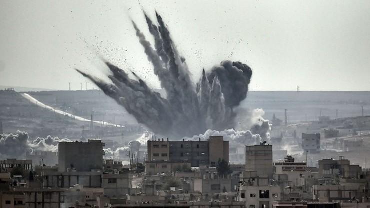 Wojna w Syrii. 53 osoby zginęły w nalotach na targ w Atareb. Większość ofiar to cywile
