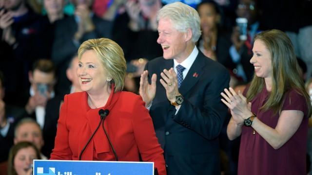 Niemal remis między Clinton i Sandersem w Iowa