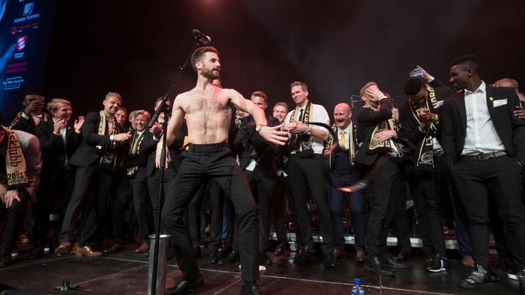 Skandaliczne świętowanie w Norwegii. Piłkarz rozebrał się do naga