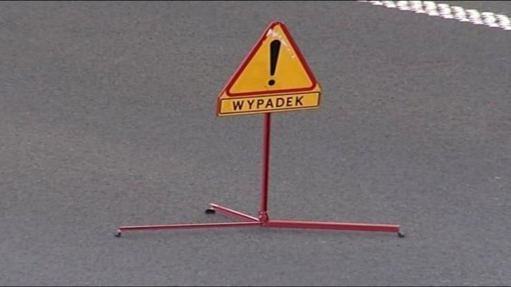 Udrożnili jeden pas zablokowanej autostrady A6. Wywróciła się ciężarówka ze zbożem