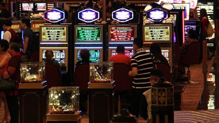 """Celnik ostrzegał o kontrolach w tzw. """"małych kasynach"""""""