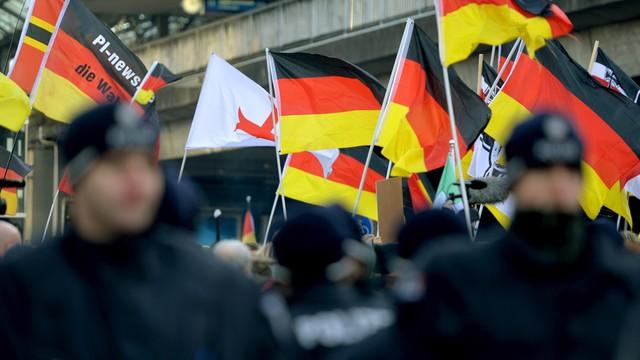 Niemcy odsyłają do Austrii po kilkuset migrantów dziennie