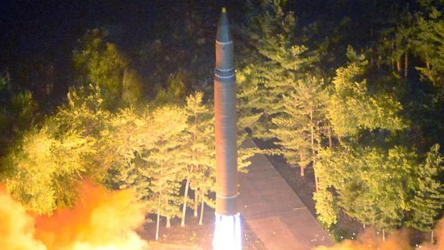 Korea Północna wystrzeliła pocisk, przeleciał nad terytorium Japonii