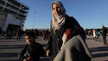 Amnesty International: kobiety i dziewczynki migrujące do Europy padają ofiarami przemocy
