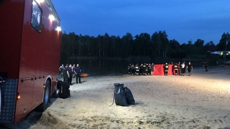 18-latek wszedł do wody z dzieckiem na plecach. Utonął. 5-letniego chłopczyka oddał w ostatniej chwili