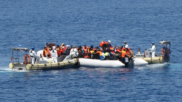 W 2016 roku przez Morze Śródziemne dotarło do Europy 300 tysięcy migrantów