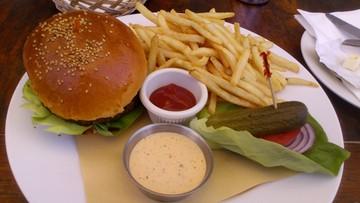 29-06-2016 17:22 Droższe burgery i kebaby? Minister finansów chce naliczać wyższy podatek