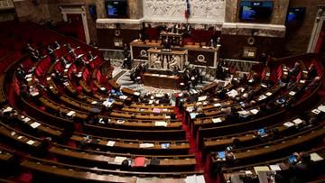09-02-2016 06:12 Po atakach terrorystycznych Francuzi zmieniają konstytucję