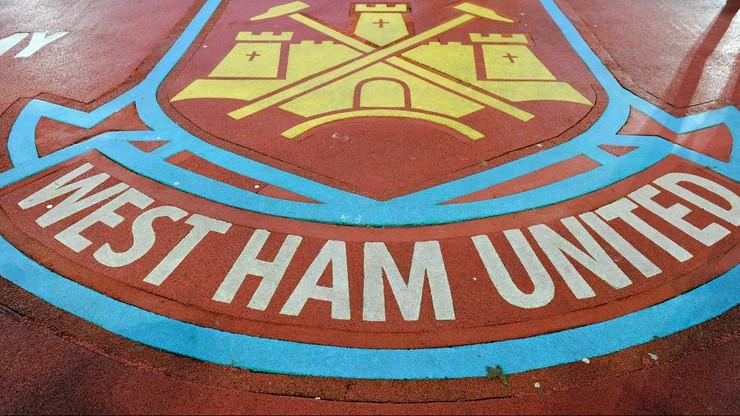 Piłkarze West Ham zostali… monterami krzesełek!