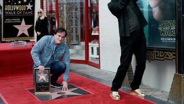 22-12-2015 05:13 Quentin Tarantino odsłonił swoją gwiazdę w Alei Sław w Hollywood