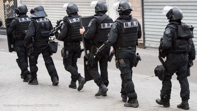 Francuski senat zaakceptował przedłużenie stanu wyjątkowego