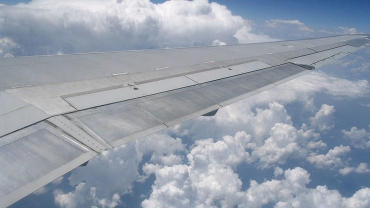 Najtańsze na pokładzie samolotu jest... wino. Kosmiczne przebitki przewoźników
