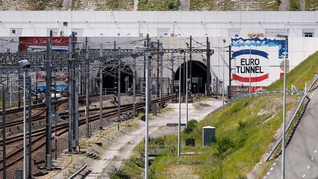 Wielka Brytania pomoże Francji bronić eurotunelu
