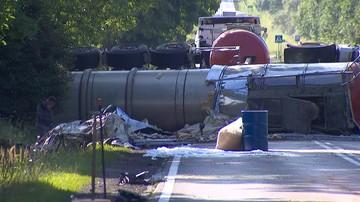 18-07-2017 18:43 Zderzenie cysterny i samochodu osobowego w Łódzkiem. Siedem osób rannych, w tym czworo dzieci