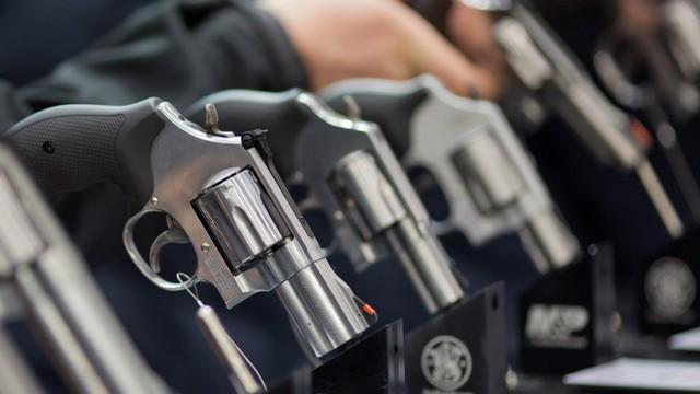 USA: obrończyni prawa do posiadania broni postrzelona przez 4-letniego syna podczas jazdy samochodem